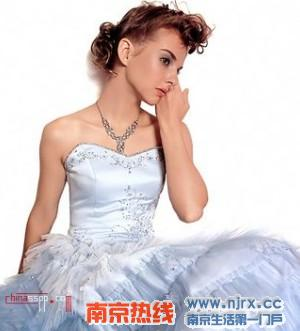 复古怀旧欧式婚纱尽显动人新娘