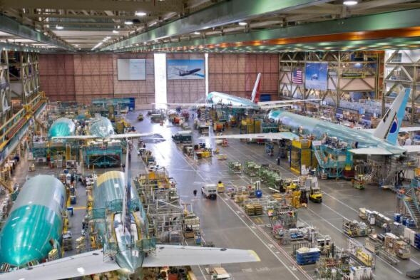 周末引擎爆炸后波音777停飞