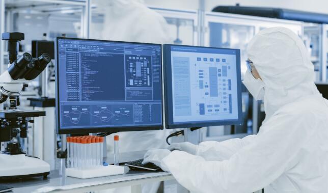 10月将购买的2种顶级生物技术股票