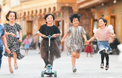 南庚戌:新疆经济发展趋势、人口增长和改善民生的具体情况