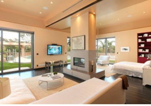 现在的家具越来越智能化,装修房子的时候应该要从多方面来设计