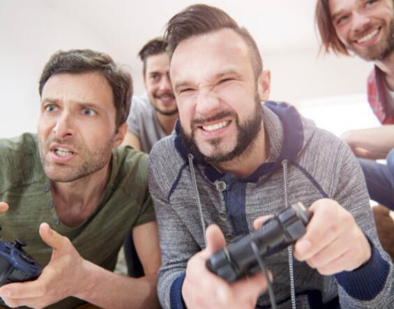 不要忽视GameStop的疯狂估值 但它的业务正在变得更好